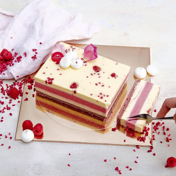 1000+ Ideas About Birthday Cakes For Adults On Pinterest