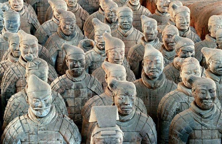 Participez à nos séjours linguistiques en #Chine et apprenez le #chinois dans une ambiance familiale !  Découvrez les célèbres statues de soldats en terre cuite de Xi'An !