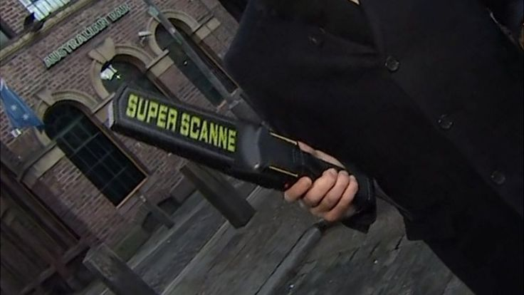 Liverpool bars given 'wands' to fight knife crime