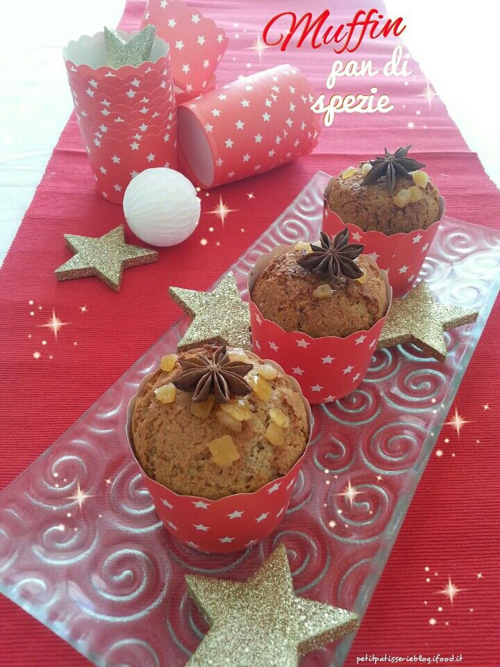 Il piùfamoso pane speziato del Nord Europeo si trasforma in golosi muffin, ideali come cadeau o segnaposto sulla tavola delle feste.