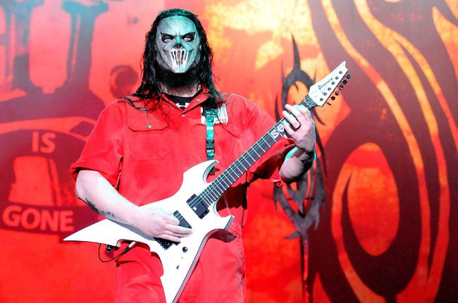 Slipknot Guitarist Mick Thomson Stabbed by His Brother
