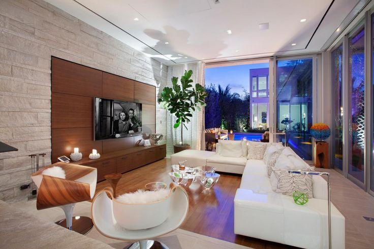 Tour a Resort-Inspired Beach House in Vero Beach, Fla. | HGTV.com's Ultimate House Hunt | HGTV