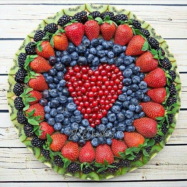 Colorful, delicious and nutritious fruit