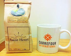 Les grains de café bolivien arrivent juste à temps pour la journée mondiale du commerce équitable. Voyez comment en acheter dans la cyberlette du mois de mai!