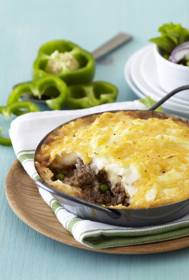 Shepherd's Pie is a great family meal. This dish is quick to prepare and is a great opportunity to add lots of vegetables for the kids. Don't forget to sprinkle with extra cheese before baking to get a golden crispy topping. #Knorr #WhatsForDinner
