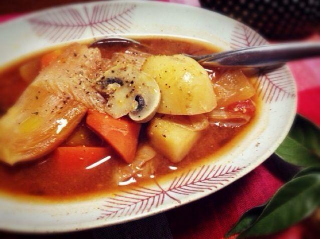 野菜だけ、スープの素なしでも美味しく出来ました。 トマトと味噌のコンビは強いです - 73件のもぐもぐ - 味噌トマトポトフ by まちまちこ