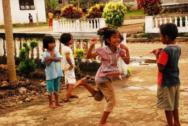 Melihat Potret Anak-Anak Pangandaran Bermain Saat ini