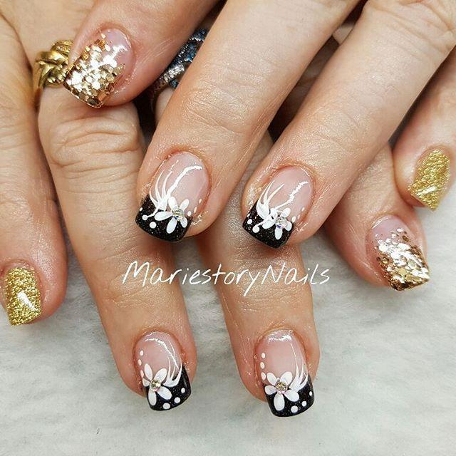 #holidaysnails #glitternails #blingbling #nailswag #nailstagram #lovemanicure #nailitmag #nailartclub #nailartist #nailartwow #nailartoohlala #instanails #nailtech #naildesign #nail #crystalnails #barbiefingers #nailit #nailpro #nailprodigy #naildesign #naildecor