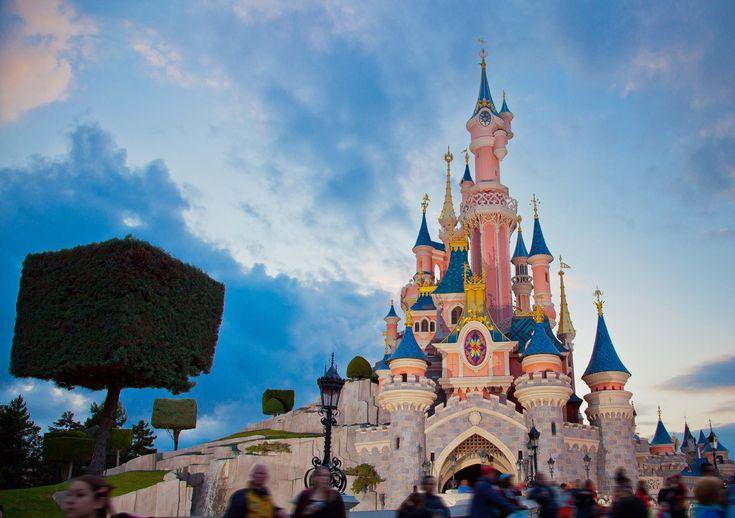 Disneyland Paris 1-day 2-park ticket options explained. #DisneylandParis #DLP #Paris