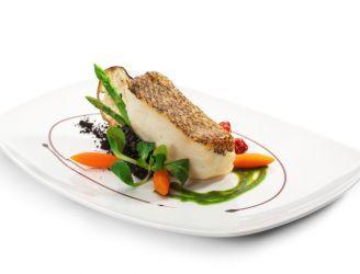Ryba gotowana na parze z ostrym, maślanym sosem | Blog kulinarny - oryginalne przepisy oraz porady kulinarne