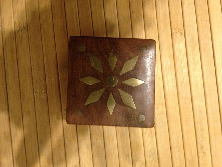VINTAGE BRASS INLAID 2 X 2 INCH JEWELLERY TRINKET SOLID WOODEN BOX now available on facebook marketplace