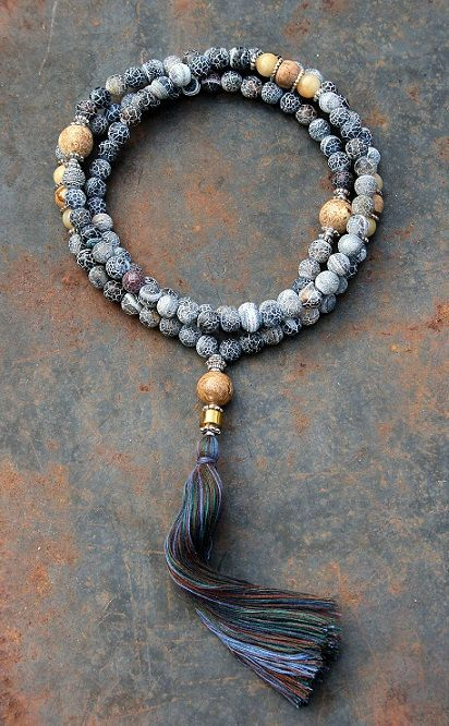 Frosted Agate Mala necklace - made by look4treasures Loved & pinned by http://www.shivohamyoga.nl/ #yoga #mala