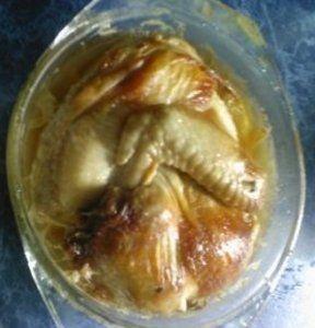 Фото к рецепту: цыпленок, запеченный в микроволновке