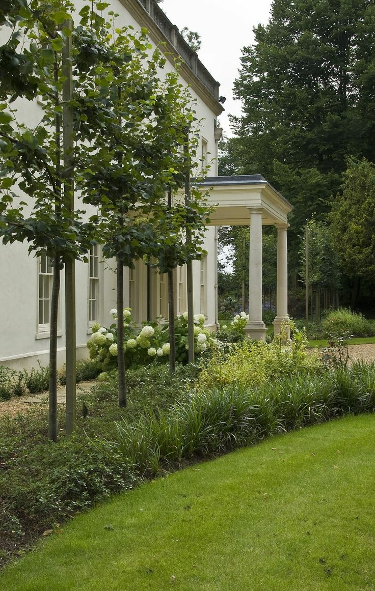 Jack merlo design more outdoor garden ideas landscape design gardening - A Chiltern Estate With An Elegant Tree Lined Drive Pleached Limes Framing The House And A Generous Terrace Overlooking A Lawn Pond And Ha Ha To Pastures