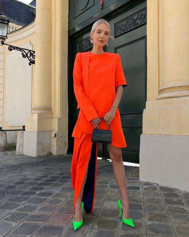 Doce combinaciones 'color block' de tendencia que sobrevivirán al verano - Foto 7 Vestidos Neon, Balenciaga, Leonie Hanne, Colours, Street Style, Womens Fashion, Outfits, Instagram, Paris
