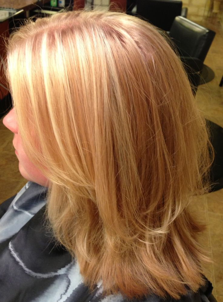 Shoulder Length Haircut With Soft Layers And Blonde