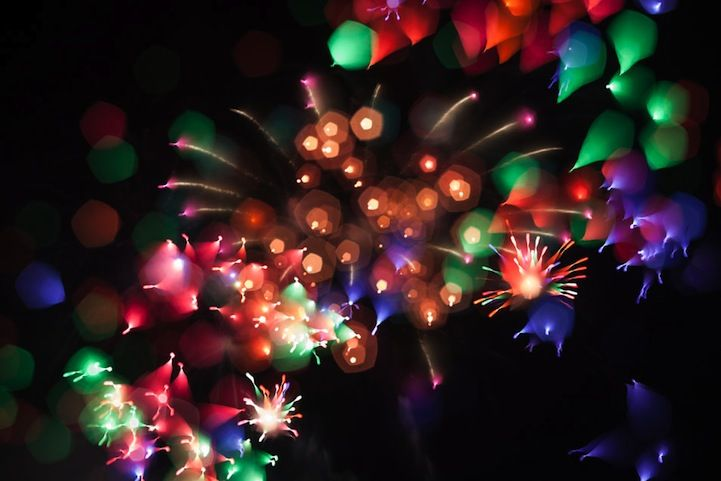 Colorful Fireworks Amazingly Morphed Into Abstract Formations - My Modern Met