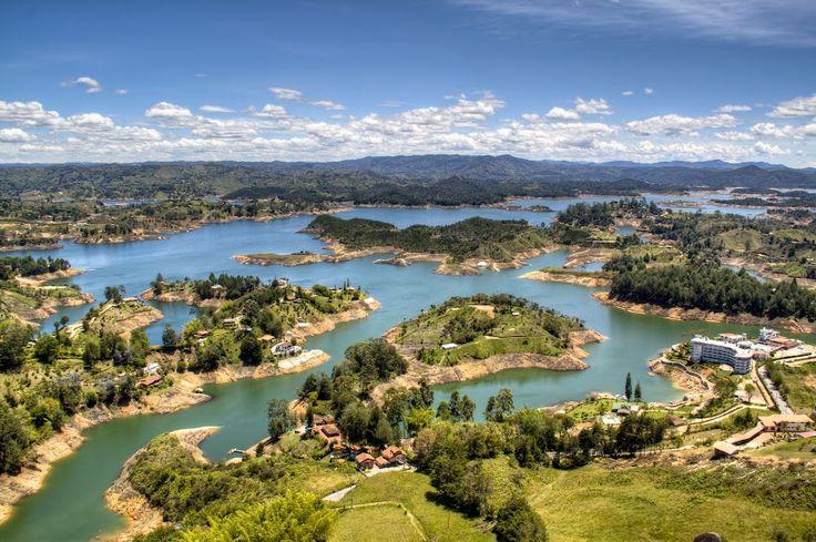 #Medellín en #Colombia es un lugar que te enamorará. No te lo pierdas y viaja a Medellín con Despegar y con vuelos baratos #trip #travel #turismo #viajes #blog