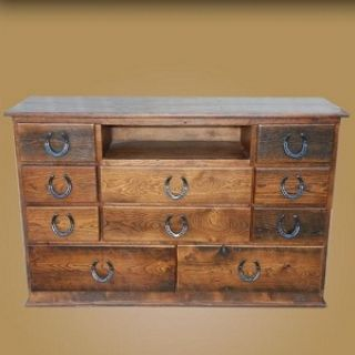 Western horseshoe handle dresser