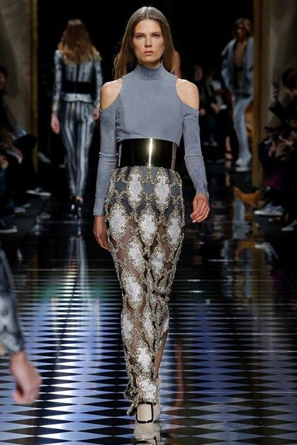Catwalk photos and all the looks from Balmain Autumn/Winter 2016-17 Ready-To-Wear Paris Fashion Week