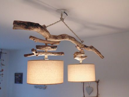 Création personnelle, unique et originale d'un remarquable lustre en bois flotté.  Une magnifique pièce de bois flotté. Utilisation de fils électrique avec gaine transparent - 19403873
