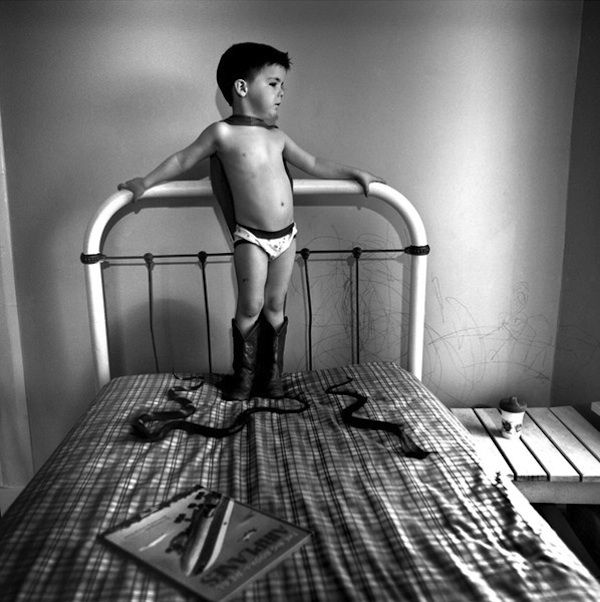 Awesome black and white children's photos -Photographer: Julie Blackmon