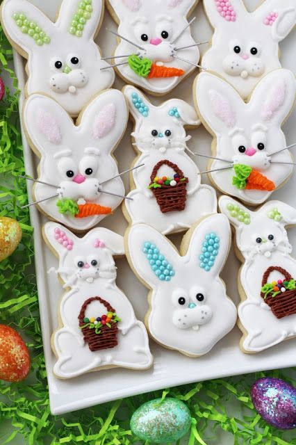 Easter Bunny Sugar Cookies ~ How to decorate cute Easter cookies. Includes instructions.
