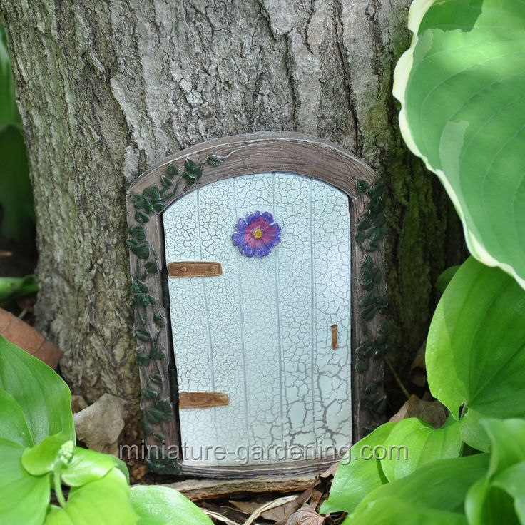 44 best images about mini garden enter our house on pinterest for Mini fairy door