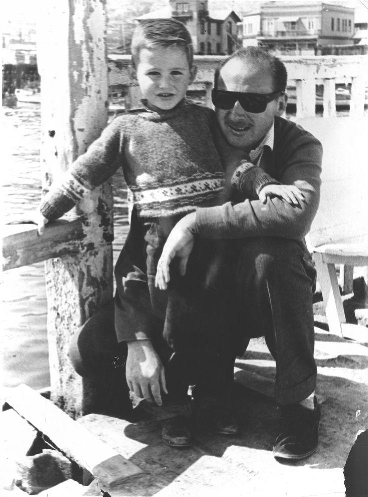 Con mi VIejo (Club-Yates Antofagasta) 1964/1965(?). With mt father in the Antofagasta Yatching Club, 1964/1965 (?)