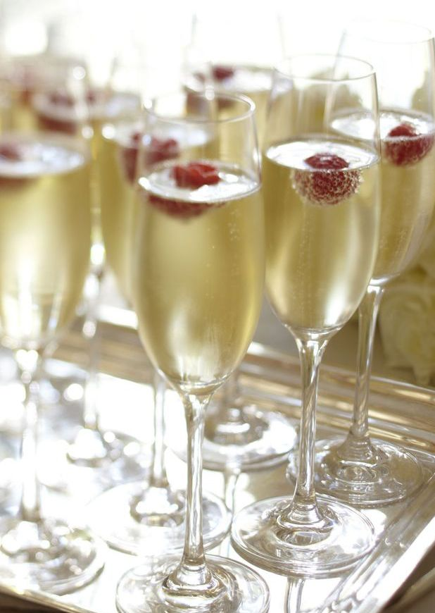 5 Champagne Cocktails for New Year's Eve: