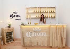 Resultado de imagen para mobiliario de la cerveceria corona para bares