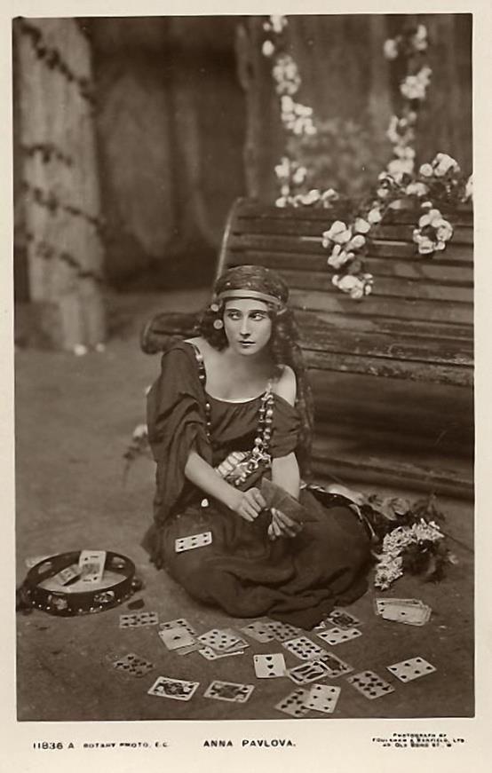 Ana Pavlova as a fortune teller