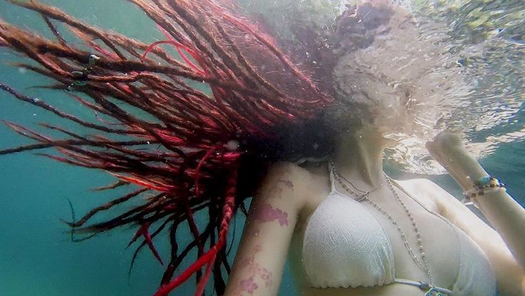 Are you enjoying summer and swim alot with your dreadlocks? Try to wash your dreadlocks after a day on the beach so you don't end up smelling like the ocean!