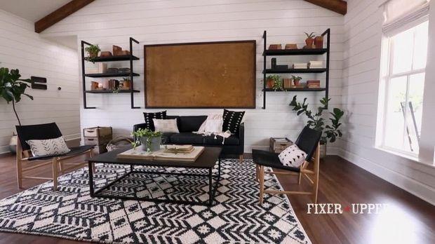 Die besten 25 fixer upper sixx ideen auf pinterest fixer oberes wohnzimmer chip und joanna - Fixer upper wohnzimmer ...