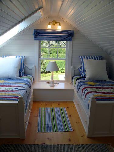 Small beach house interiors