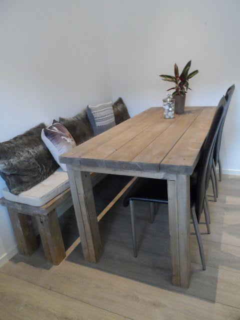Simones hjem: Hjemmelaget spisebord