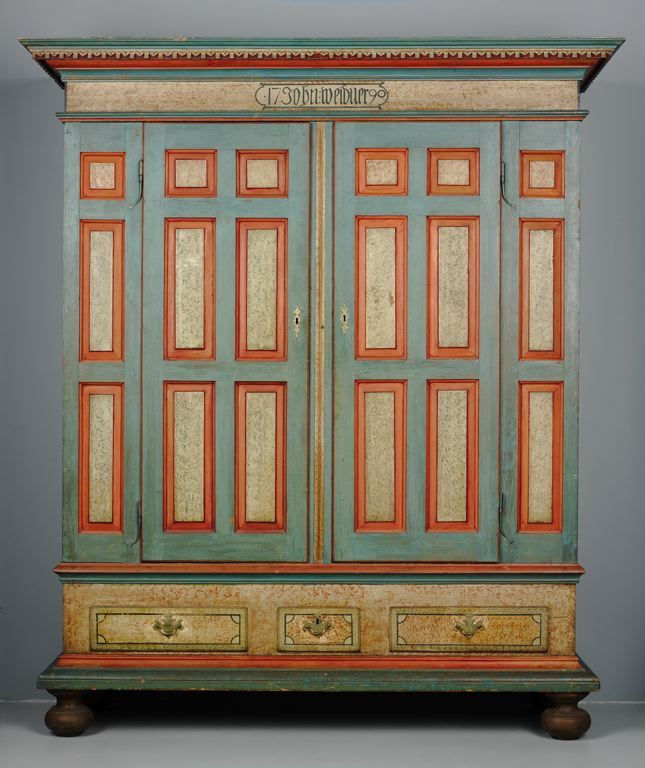 1790 American (Pennsylvania) Schrank (German-style wardrobe) at the Art  Institute · Country FurnitureFurniture RedoAntique ... - 63 Best Pennsylvania Dutch Images On Pinterest Antique Chest