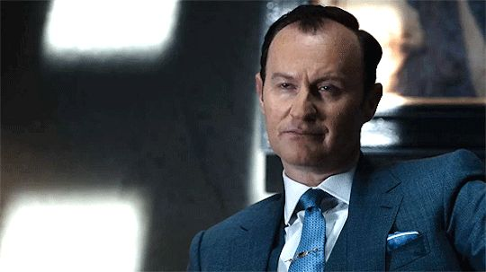 Mycroft is powerful and brilliant and COOL!!