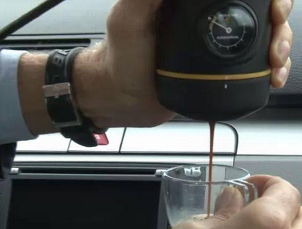 Handspresso Auto, uma máquina de expresso para automóveis
