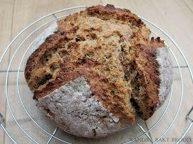 Een blog over brood bakken, broodjes, desem, meel, koekjes, recepten, moestuin, groente, fruit, spelt, tarwe, bloem, rogge, kamut, glutenvrij