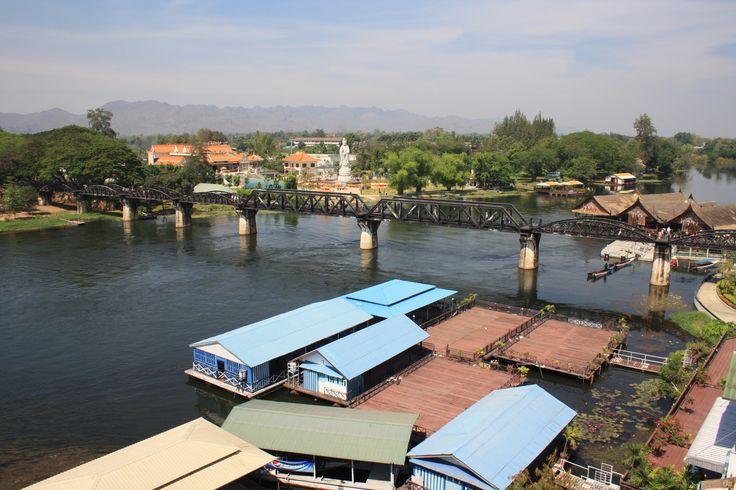 ป้ายหยุดรถไฟสะพานแควใหญ่ (River Kwai Bridge) SRT4058 em Mueang Kanchanaburi, จังหวัดกาญจนบุรี