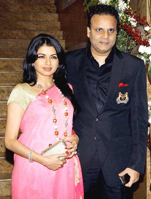 Happy #birthday actress #Bhagyashree Patwardhan. She is married to Himalaya Dasani in year 1990.