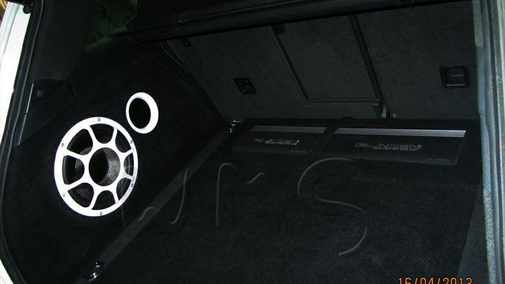 VW Touareg 2013 г.в. — изготовление корпуса Стелс для сабвуфера Morel Ultimo, установка акустики DynAudio, подключение усилителей Gladen Audio, установка аудиопроцессора Audison Фототчет об установке автозвука в Touareg http://w-m-s.ru/gallery/28
