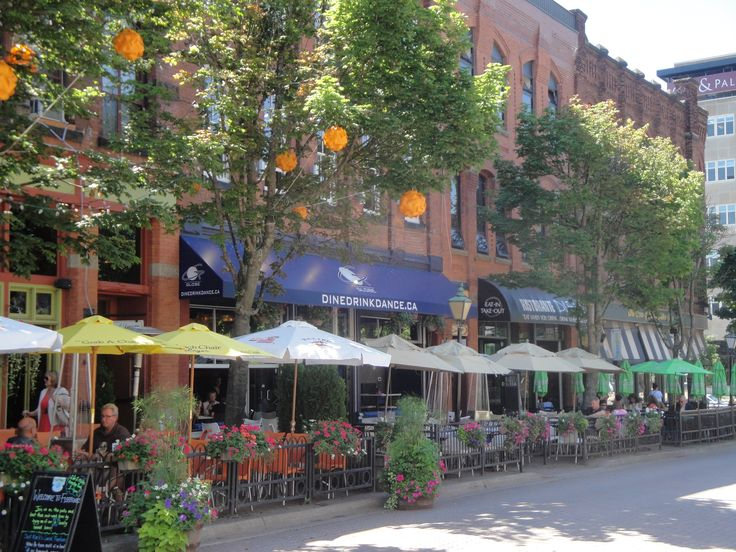 3 spots you must enjoy in #Charlottetown, #PEI this summer!
