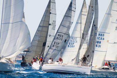 La Estrella Levante 2016 de Torrevieja se presenta con 40 barcos en la línea de salida
