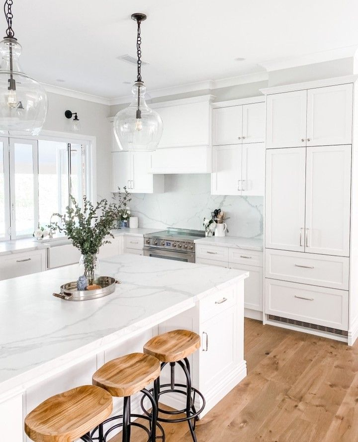 Justine Mikkelsen On Instagram I Ve Had A Few People Ask Where Is Your Fridge Can You Spot It We Didn T Have Room Interiors Online Chic Spaces Kitchen