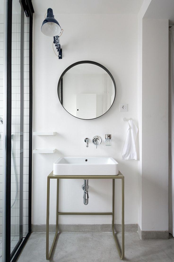 beautitul minimal bathroom with style