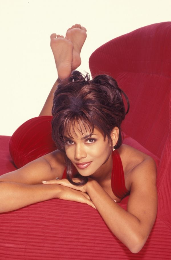 Halle berry hot sexy