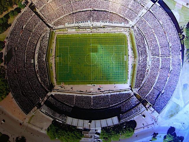 Le Top 100 des temples du sport-29ESTADIO CENTENARIO (Montevideo, Uruguay). Construit pour la Coupe du monde 1930, il a été inauguré quelques jours seulement avant le début de la compétition. La première finale de l'histoire du Mondial (Uruguay-Argentine) s'y est donc déroulée. Suffisant pour entrer dans la légende du sport.