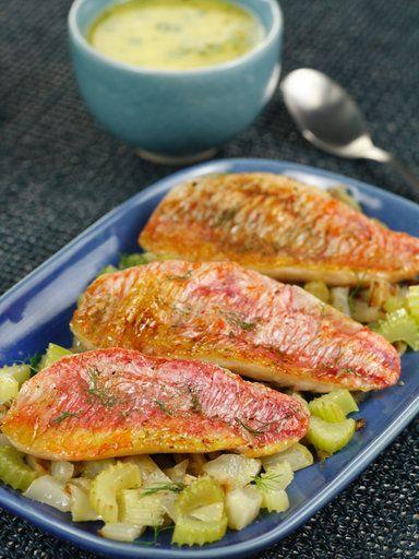 Recette Filets de rougets rôtis au fenouil et beurre au basilic